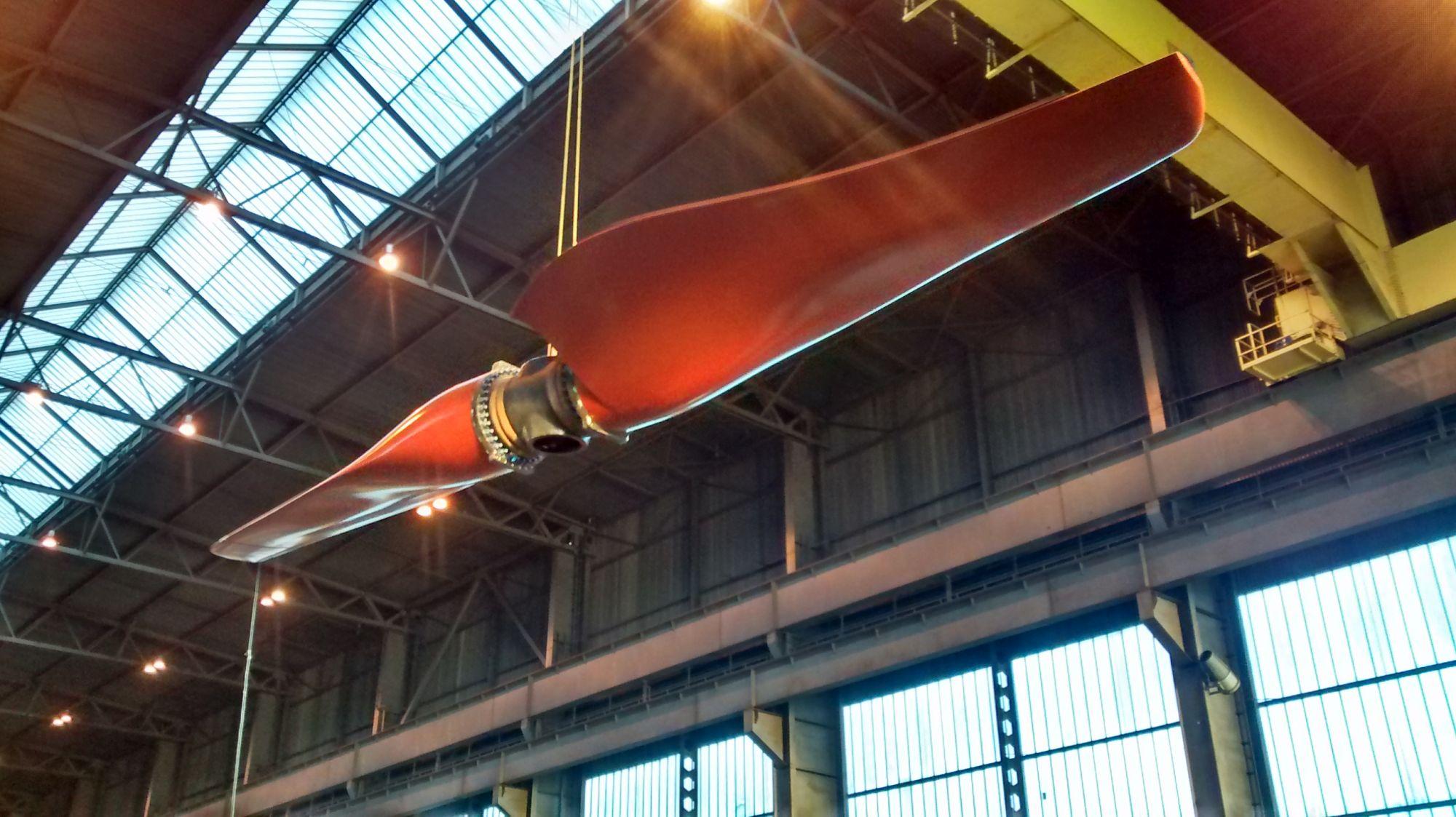 SR 2000 tidal turbine blades